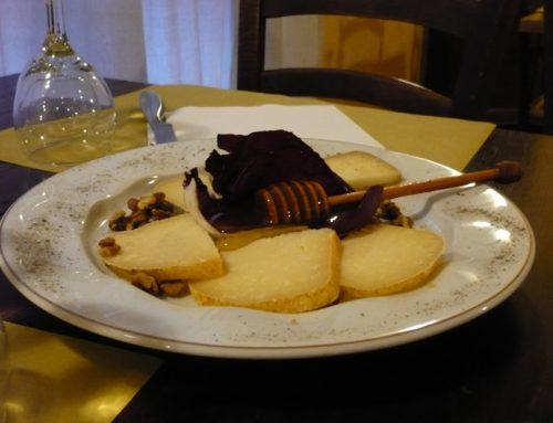 Antipasto pecorino miele e noci